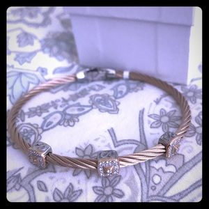 Carnation & Diamonds in 18kt Gold Alor Bracelet